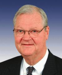 Photo of Rep. Ike Skelton [D-MO4, 1977-2010]