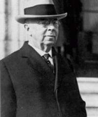 Photo of Sen. George Chamberlain [D-OR, 1915-1921]